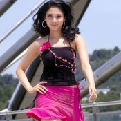 Tamanna Bhatia in Pink Skirt – Hot Legs Show Photos