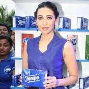 Karisma Kapoor in Blue Top at Smart Foodie Campaign