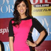 Yami Gautam in Tight Dress – Hot Pics in Short Black and Pink Dress