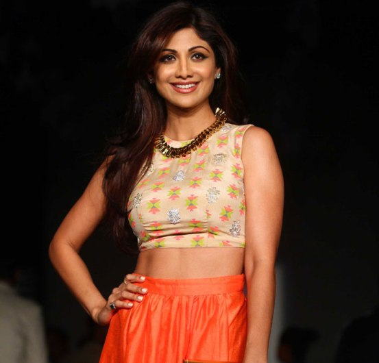 Shilpa Shetty in Orange Skirt at Lakme Fashion Week 2014