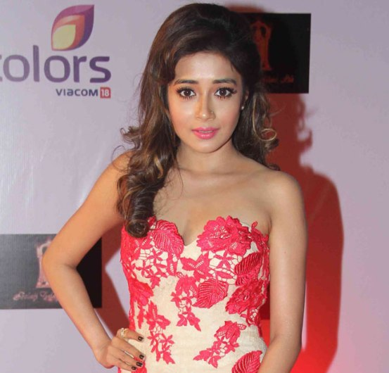 Tina Dutta in Pink Floral Gown at Television Style Awards 2015