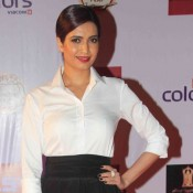 Karishma Tanna in Black Skirt at Television Style Awards 2015