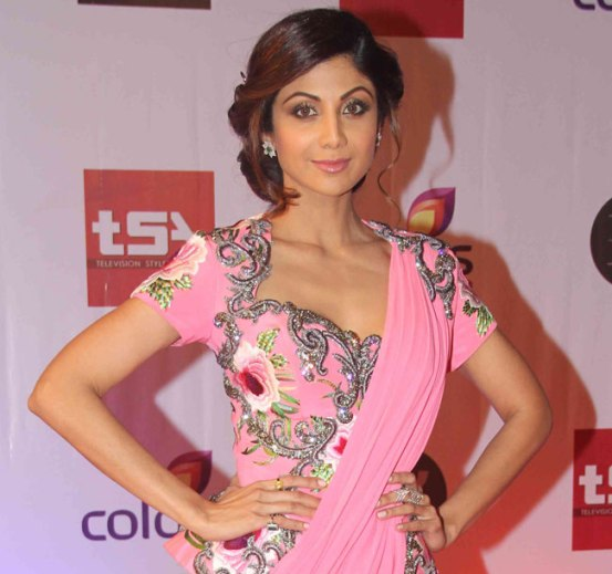 Shilpa Shetty in Pink Saree Gown at Television Style Awards 2015