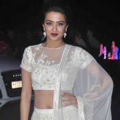 Surveen Chawla in White Lehenga at Tulsi Kumar Hitesh Ralhan Wedding Reception