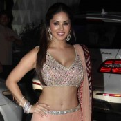 Sunny Leone in Lehenga Choli at Tulsi Kumar and Hitesh Ralhan's Wedding Reception