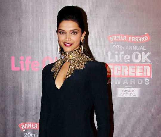 Deepika Padukone in Life ok Screen Awards 2014 Hot Photos