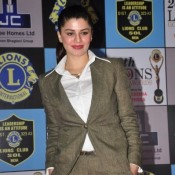 Kainaat Arora in 20th Lions Gold Awards 2014 Images