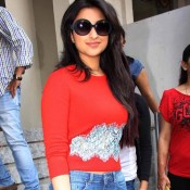 Parineeti Chopra in Goggles – Black Frame Sunglasses 2014 Photos at Hasee Toh Phasee Promotion Event