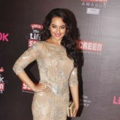 Sonakshi Sinha in Cream Gown Pics at Life OK Screen Awards 2014