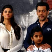 Salman Khan and Daisy Shah at The JAI HO Premiere – Hot Photos