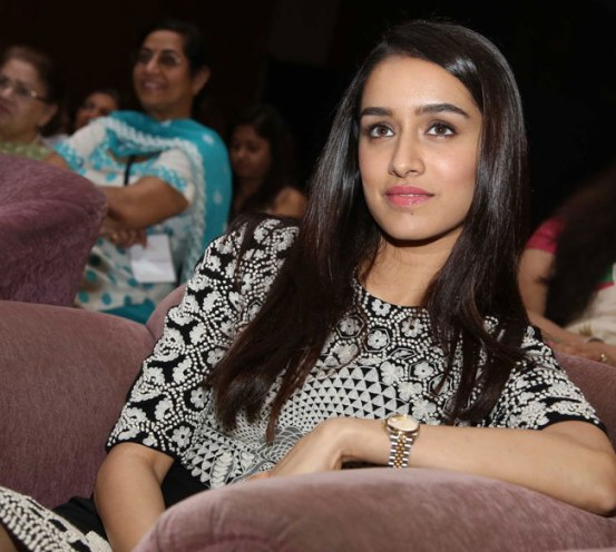 YFLO Women Achiever Awards 2015 Photos – Shraddha Kapoor in Floral Pencil Skirt