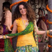 Kangana Ranaut in Yellow Sleeveless Top with Printed Patiala Salwar in Tanu Weds Manu Returns Movie 2015