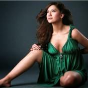 Bigg Boss 7 Winner Gauhar Khan Cleavage Hot Photos