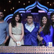 Shruti Haasan in Cream Lehenga Skirt at DID Super Moms Sets for Gabbar Is Back Promotions