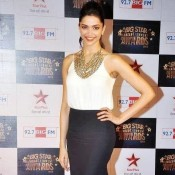 Deepika Padukone in Big Star Screen Awards 2013 Hot Photos