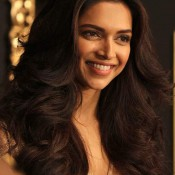 Deepika Padukone in Golden Dress Images – Hot Cleavage Show from One Piece Evening Party Dress