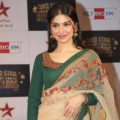 Divya Khosla in Transparent Green & Cream Saree Photos at Big Star Entertainment Awards 2013