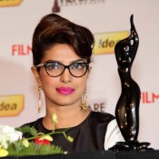 Filmfare Award 2014 Priyanka Chopra Unveils Special 3D Trophy at Press Conference
