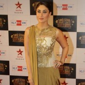 Kareena Kapoor in Golden Gown Dress at Big Star Screen Awards 2013 Hot Pics
