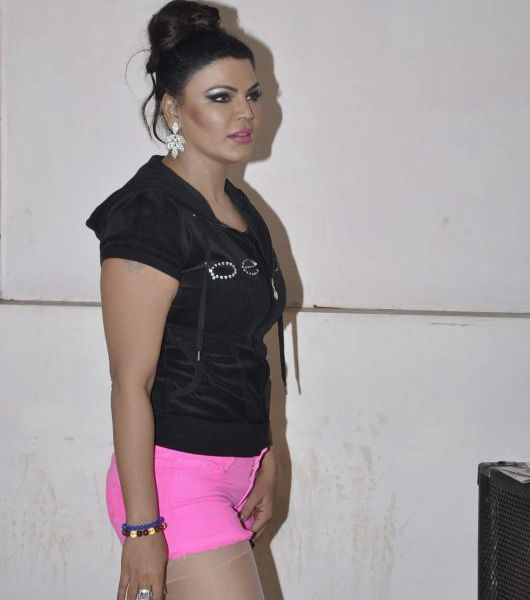 Hot Photos of Rakhi Savant in Pink Shorts at Country Club New Year Show Rehearsal