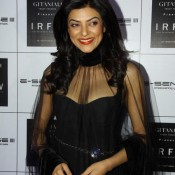Sushmita Sen in See Through Black Transparent Dress – Deep Cleavage Exposing at IRFW 2013