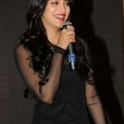 Shruti Hassan in Tight Black Dress At Yevadu App Launch Hot Pics