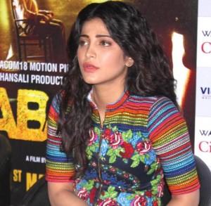 Gabbar Is Back Movie Promotions Pics in Delhi – Shruti Haasan in Multi Color Printed Dress