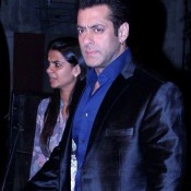 Salman Khan in Black Formal Suit Pics at Big Star Entertainment Awards 2013