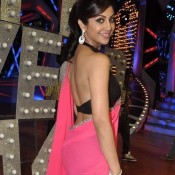 Shilpa Shetty Backless Photos in Pink Saree Black Blouse – Hot Bare Bake Show on Nach Baliye Sets