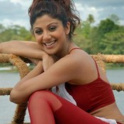 Shilpa Shetty Extremely Hot Yoga Photos – HD Pictures in Red Jogging Trek