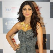Shilpa Shetty in Gown at Big Star Screen Awards 2013 Cool Pics