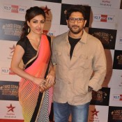 Soha Ali Khan in Transparent Saree Pics with Arshad Warsi at Big Star Entertainment Awards 2013