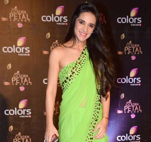 Colors Golden Petal Awards 2016: Hot Photos New Pics In Green Saree