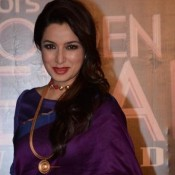 Tisca Chopra in Saree Photos Hot Dashing Look in Blue Saree at COLORS Golden Petal Awards 2013