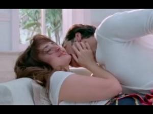 Kareena Kapoor Hot Kissing Scenes in Gabbar Is Back Teri Meri Kahaani Song with Akshay Kumar New Photos