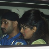 Harbhajan Singh and Geeta Basra Celebrated the Victory of 'Mumbai Indians' in IPL 2015