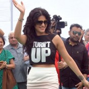 Shruti Haasan in White Pencil Skirt with Goggles Cool Look at Gabbar Is Back Movie Promotion