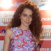 Kangana Ranaut Hot Legs in Printed Short Dress at Promote Tanu Weds Manu Returns Film