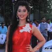 Digangana Suryavanshi in Red Sleeveless Gown at Star Parivaar Awards 2015