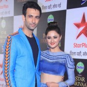 Rashmi Desai in Blue Lehenga Skirt at Star Parivaar Awards 2015 Photos