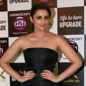 Parineeti Chopra in Black Strapless Trail Gown Photos at IIFA 2015