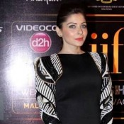 Kanika Kapoor in Black Full Sleeve Short Dress at IIFA 2015