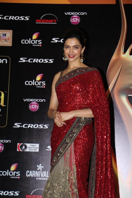 Deepika Padukone in Red Golden Saree Sleeveless Blouse ...