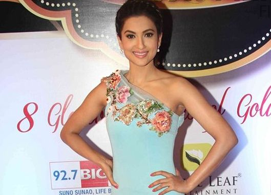 Gauahar Khan in Blue One Shoulder Gown at 8th Boroplus Gold Awards 2015