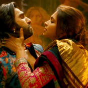 Deepika Padukone Kissing Ranveer Singh in Ram Leela Movie