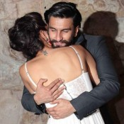 Deepika Padukone Ranveer Singh Hug at Ramleela Screening In Mumbai Hot Photos