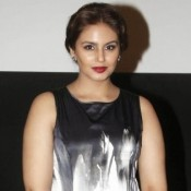 Huma Qureshi Hot Legs Pics in White Short Dress – Photos in Mini Black and White Dress