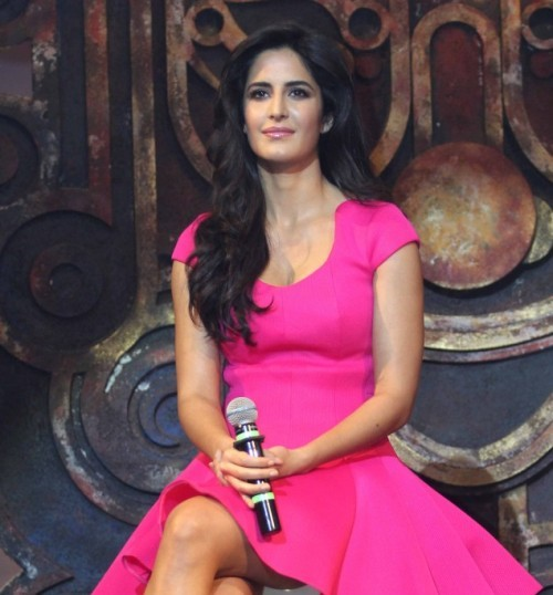 Katrina Kaif in Pink Skirt Photos – Hot Pics in Short Skirt Mini Dress at Dhoom 3 Promotion