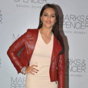 Sonakshi Sinha in Short Skirts Photos
