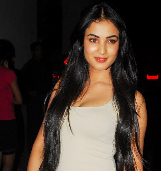 Sonal Chauhan Hot Photo Gallery at Gori Tere Pyaar Mein Screening